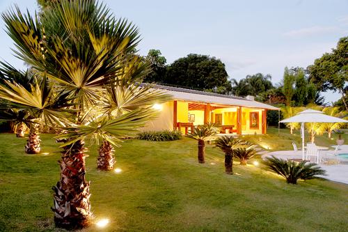iluminacao led jardins:Refletores LED: Como iluminar jardins – LED Planet Importadora
